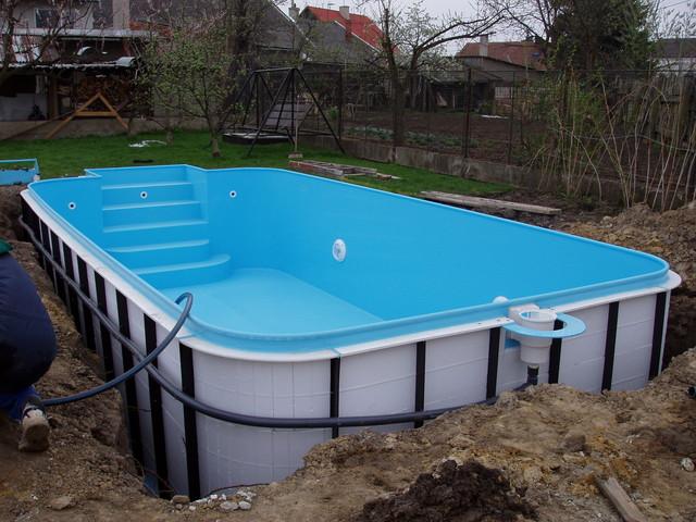 Jaký beton na základovou desku pod bazén